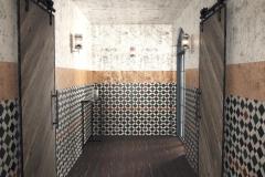 Ялта, коридор, двери с амбарным механизмом (12)
